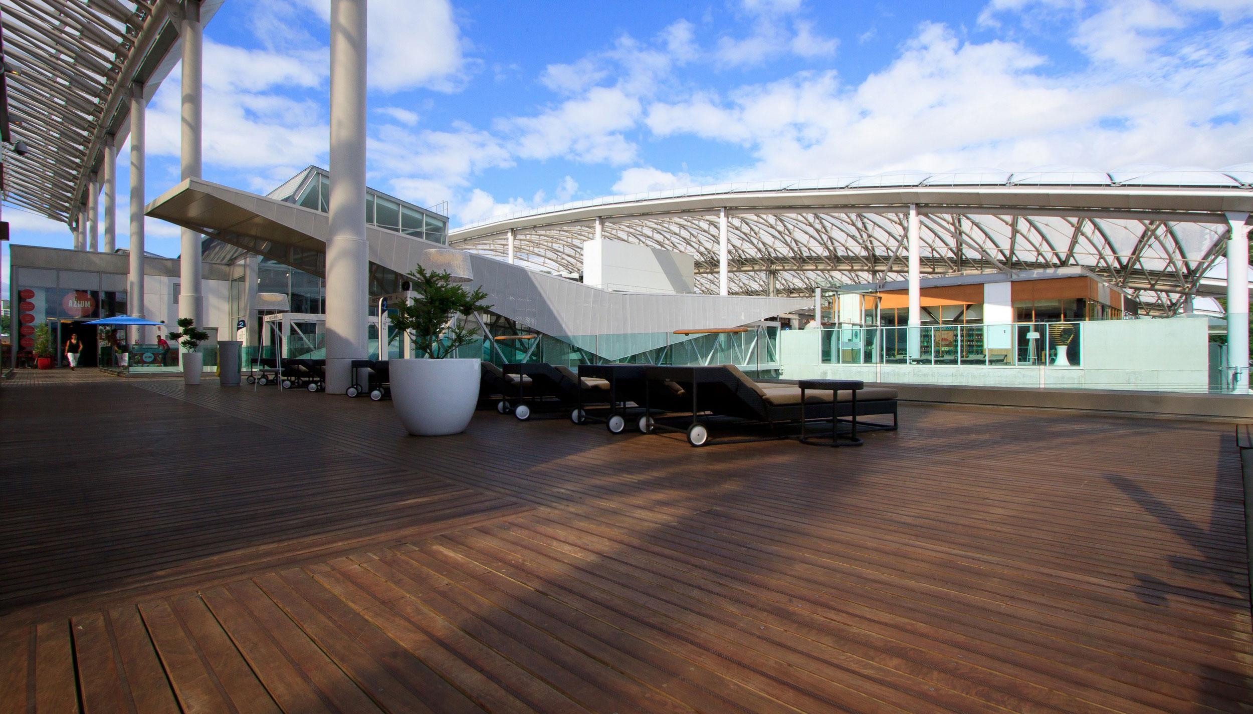 confluence lyon centre commercial parquetsol parquets bois sols souples terrasses. Black Bedroom Furniture Sets. Home Design Ideas